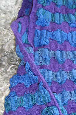 bumpy shawl in double layers